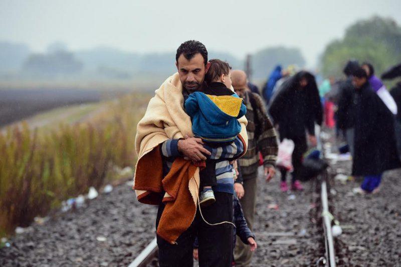 In foto: migranti durante la traversata della rotta balcanica